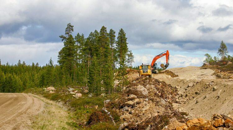 Nellimin tienrakennus aikataulussa  Päällysteellä ajetaan jo syksyllä 2019