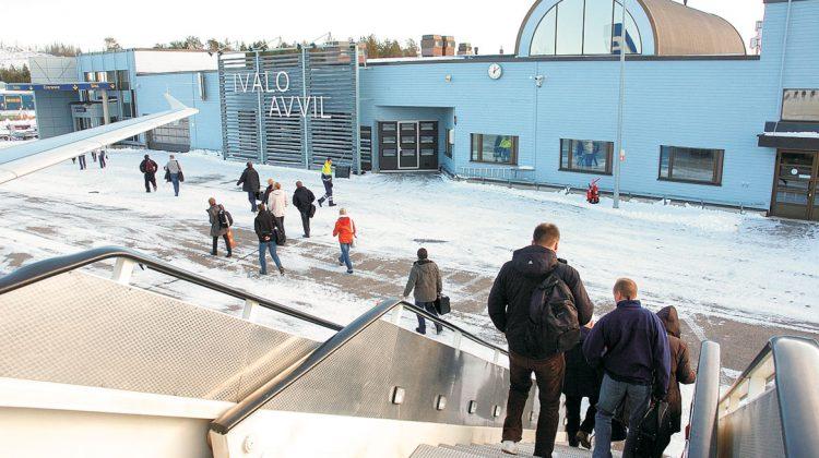 Lentoasemalle lisää konepaikkoja  Tulohalli laajenee ensi vuonna
